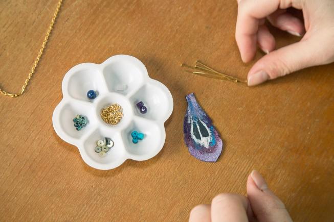 Rosace contenant les éléments servant à la création des bijoux Faraboule.