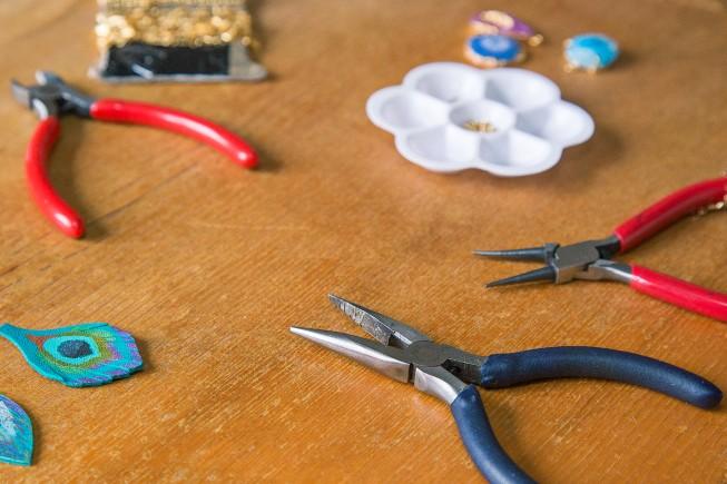 Outils utilisés par Fanny la créatrice des bijoux Faraboule.